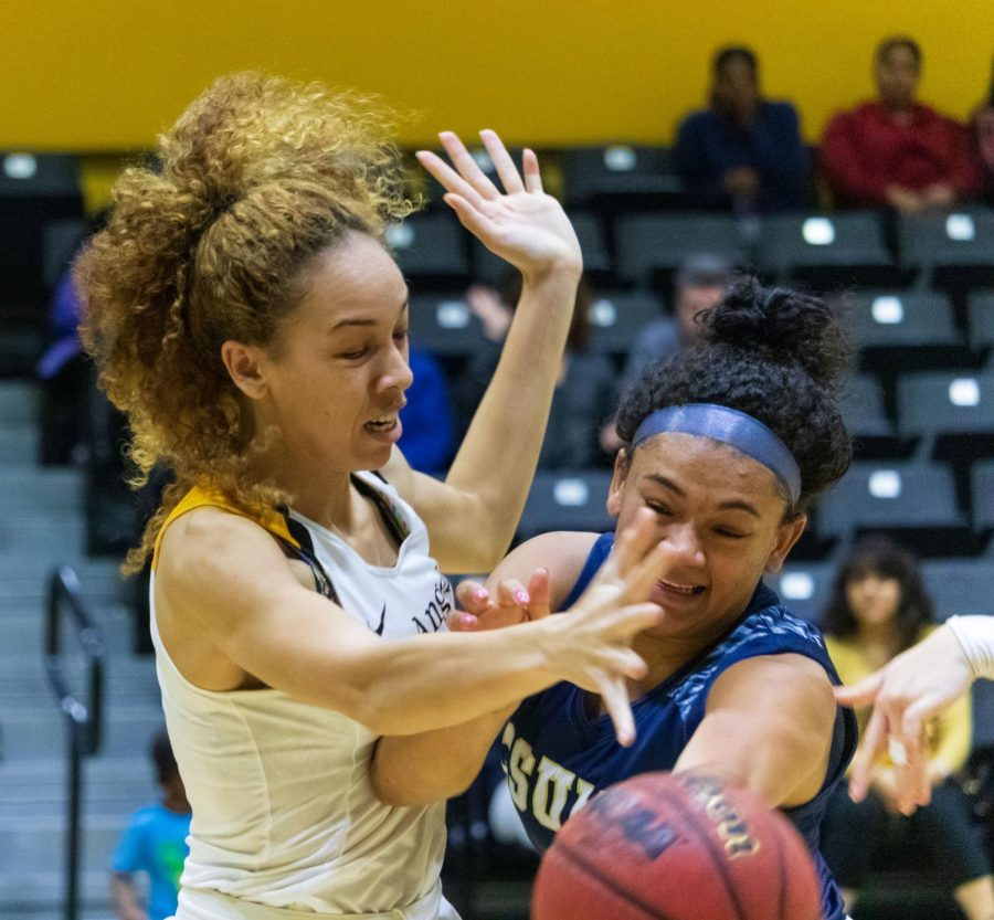 Cal State LA women's basketball team wins against Monterey Bay in a game of 73-64.