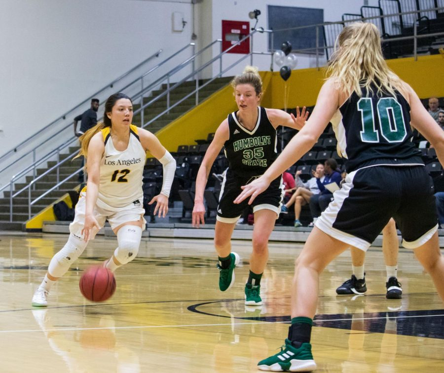 Women's basketball loses against Humboldt State in a game of 71-63.