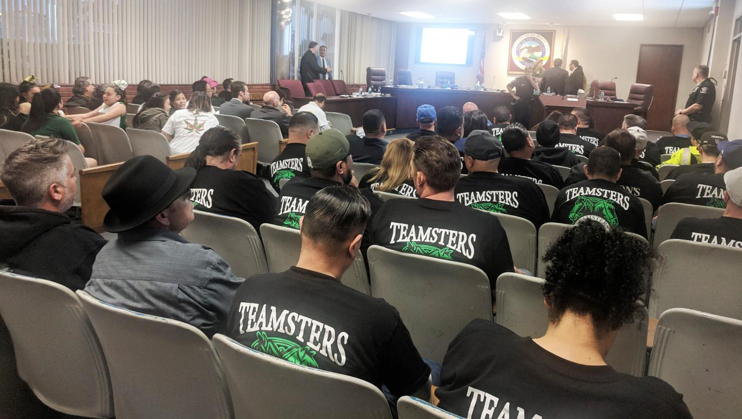 Members of a local union show up in force for an El Monte city council meeting. (Matthew Salcido/UT)