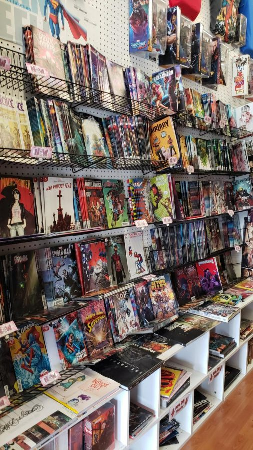 Comics+VS+Toys+offers+a+wide+range+of+comics.+%28Christopher+Lazaro%2FUT%29