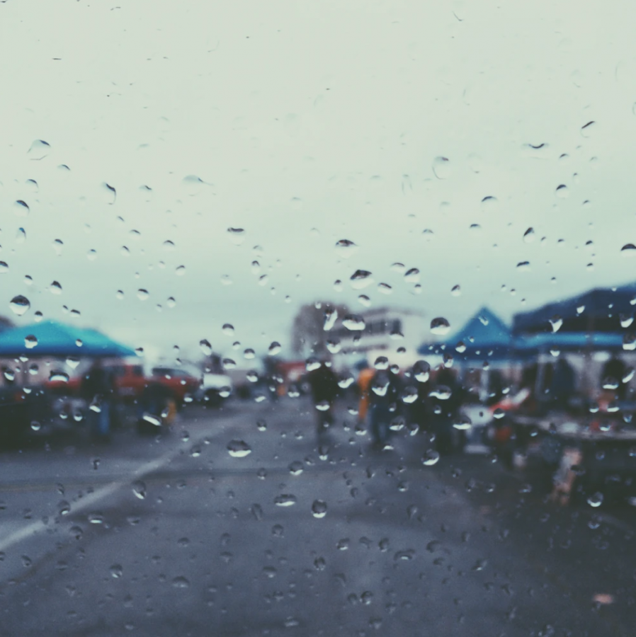 Photo+of+rain+drops+and+booths+by+Ryan+Wilson%2C+%40rbwilson%2C+via+Unsplash
