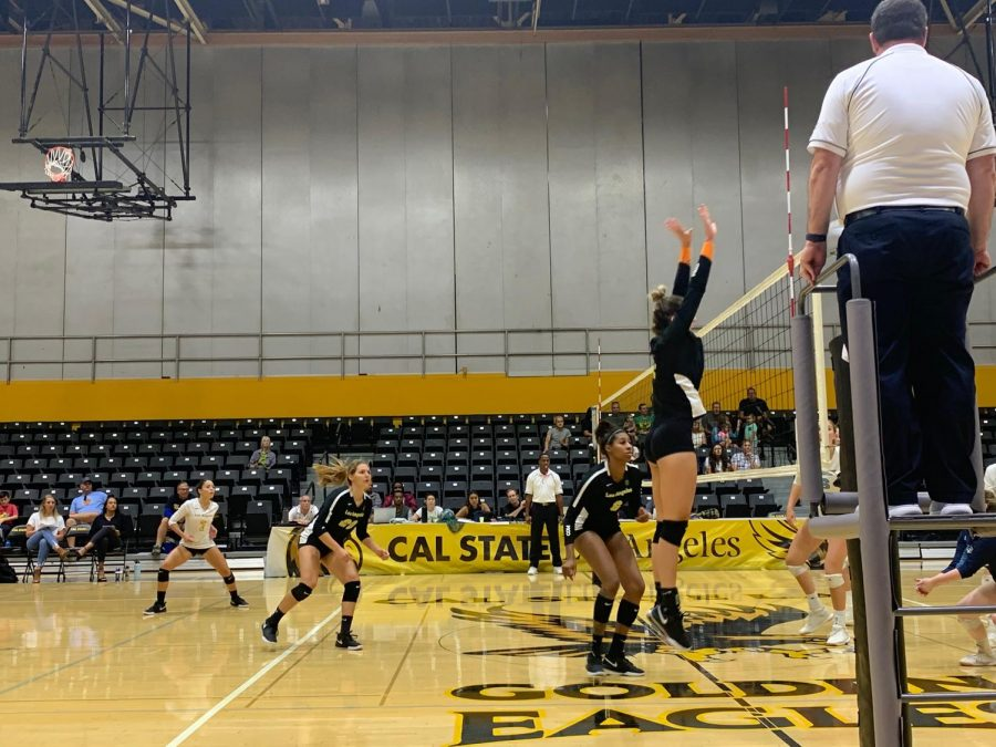 Cal+State+LA+women%27s+volleyball+scrapes+by+in+a+3-2+game+against+Sonoma+State.+