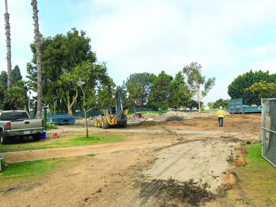 Construction+continues+digging+out+the+remains+of+the+Salt+Lake+Park+skate+park.