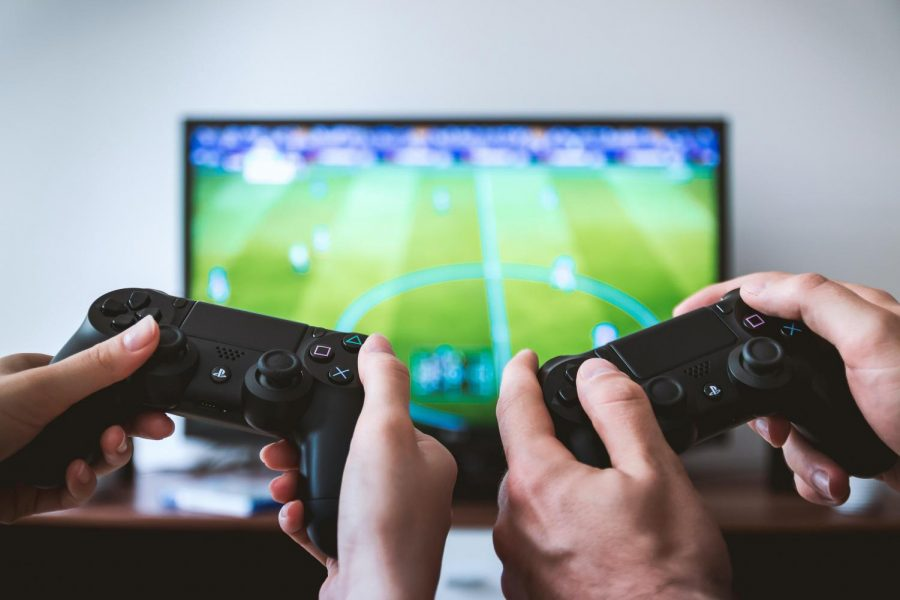 Staying connected: Maintaining friendships through video games