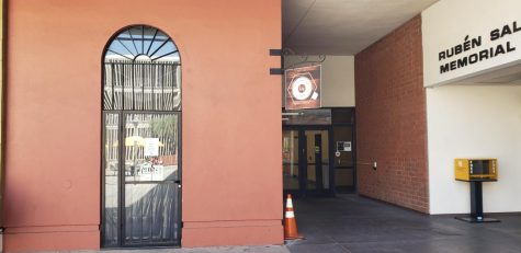 Photo shows the outside of the Espresso bar on campus.